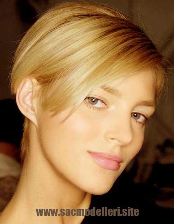 Sarı Düz Kısa Saç Modeli