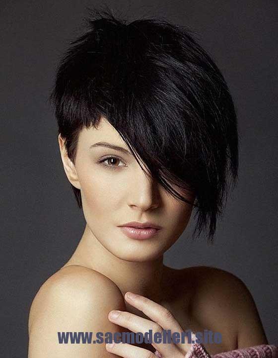 Asimetrik Siyah Kısa Saç