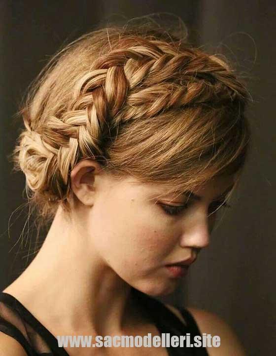 Örgülü Abiye Saç Modeli